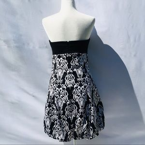 White House Black Market Dresses - White House Black Market strapless bubble dress 6